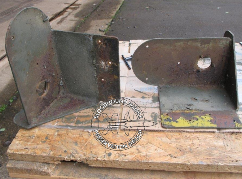 T86 Lights Bracket Corrosion wm.jpg